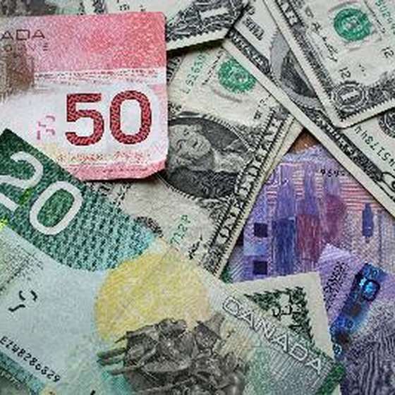 How to Exchange a Canadian Dollar for a USA Dollar