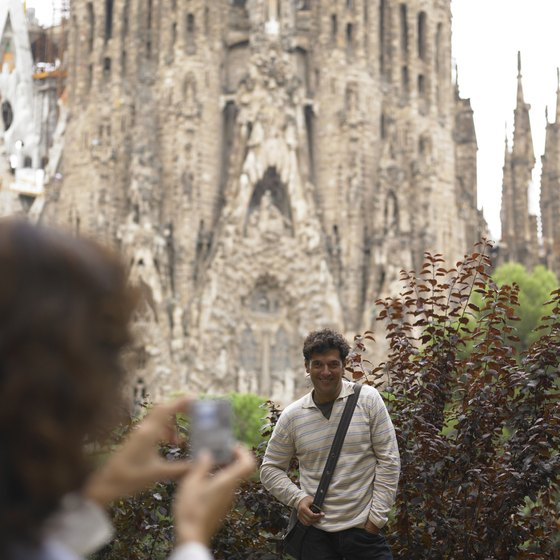 La Sagrada Familia displays the architecture of Gaudi.