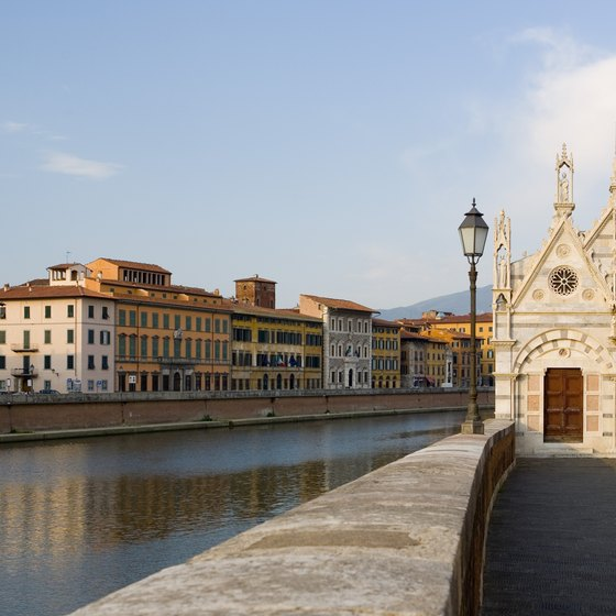 Santa Maria della Spina is just one of Pisa's celebrated attractions.