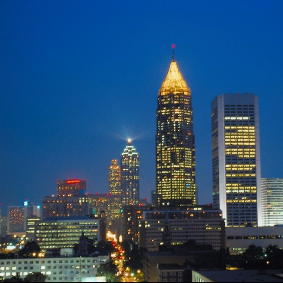 Downtown Atlanta is just five minutes north of the Greyhound bus station.