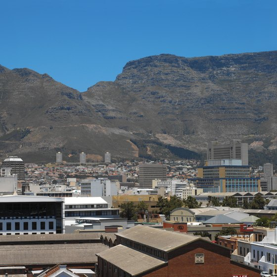 Table Mountain dominates the Cape Town skyline.