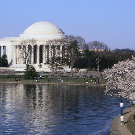 Budget accommodations are available close enough for Washington, D.C., sightseeing.