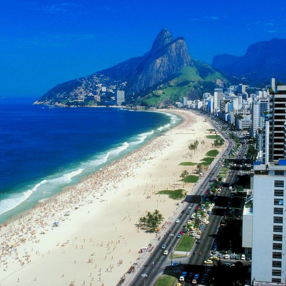 A taxi is the faster means of getting you from the Rio airport to the beach.