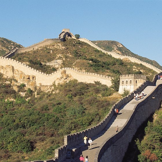 Prisoners, soldiers and citizens built the Great Wall.