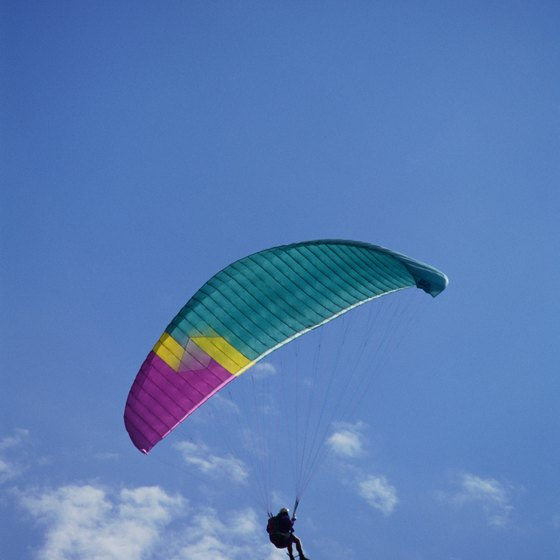 Paragliding requires special training, which schools in Pune, India offer.