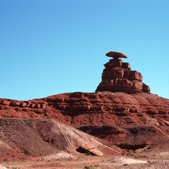 Mexican Hat got its name from this odd, sombrero-like rock.