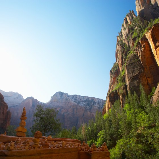 Arizona's natural wonders, such as Sedona's red rocks, add romance to certain restaurants.