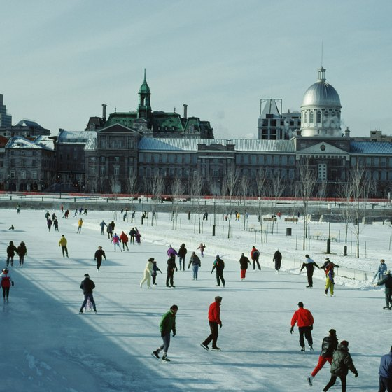 Jeanne-Mance Park offers ice skating.