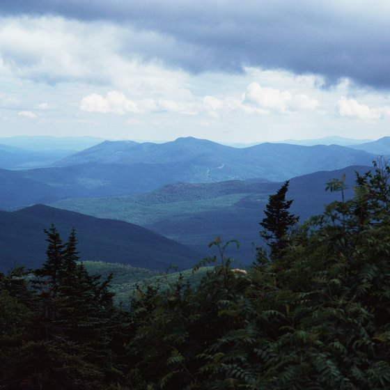 New Hampshire's mountain ranges set the stage for your next family vacation.