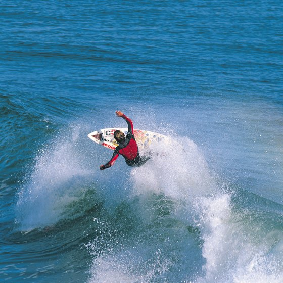 The west coast of Mexico abounds with right-breaking point breaks.
