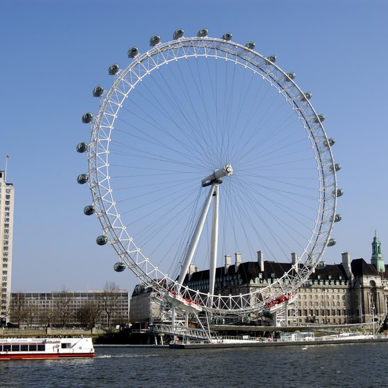Explore London's attractions such as the London Eye on a Monday to experience shorter lines.