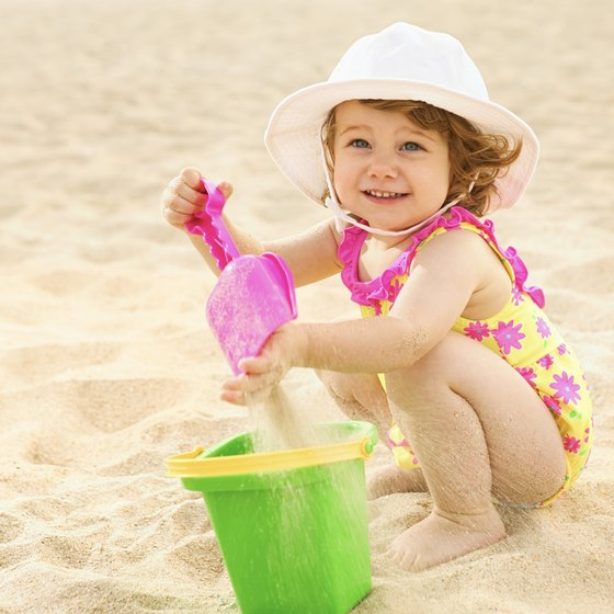 Take toddlers to the beach for an inexpensive day out in Los Angeles.