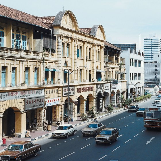 Old neighborhoods of Singapore, such as Chinatown and Little India, are a mecca for backpackers.