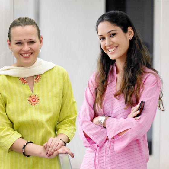 Image result for HOW TO DRESS IN INDIA FOR FOREIGNERS