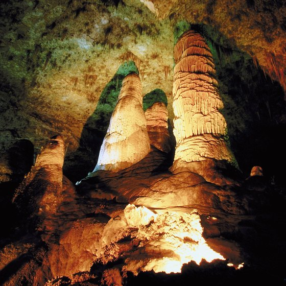 Carlsbad Cavern features exquisite rock formations.
