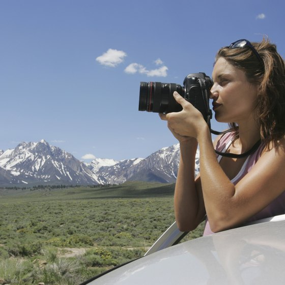 Mammoth Lakes' majestic views attract skiers, hikers and photographers.