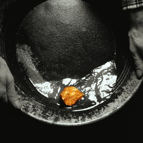 I'm Looking for Places to Go Gold Panning in California