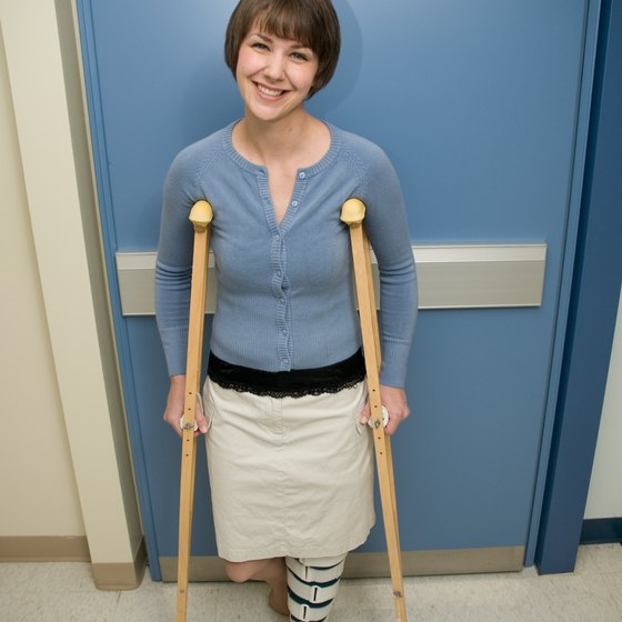 Airlines are accustomed to helping passengers with crutches.