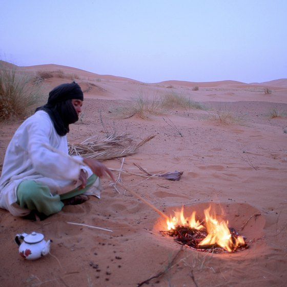 Sahara nomads know how to stay cool by day and warm at night.