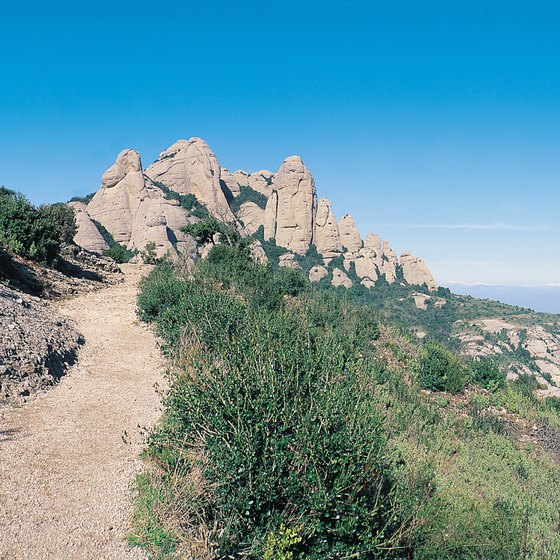 Hiking near Los Angeles is diverse and offers fantastic mountain and ocean vistas.