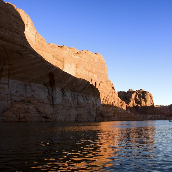 Travelers seeking Lake Powell's picturesque views don't have many airport options.