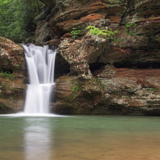 Hotels in the area provide easy access to travelers hoping to explore Old Man's Cave.
