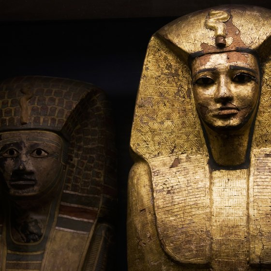 Facts on Ancient Egypt's Jewelry, Pyramids & Mummies