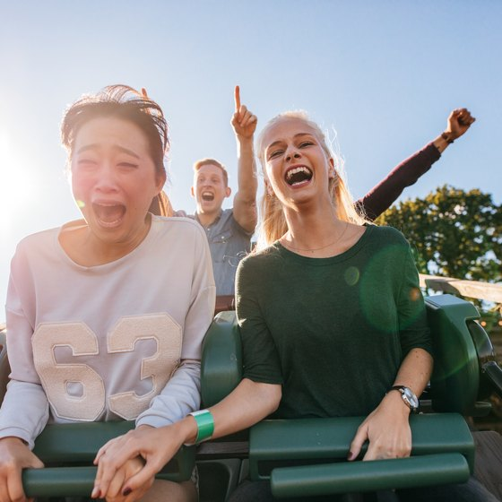 How to Purchase Six Flags Souvenir Photos After You've Left the Park