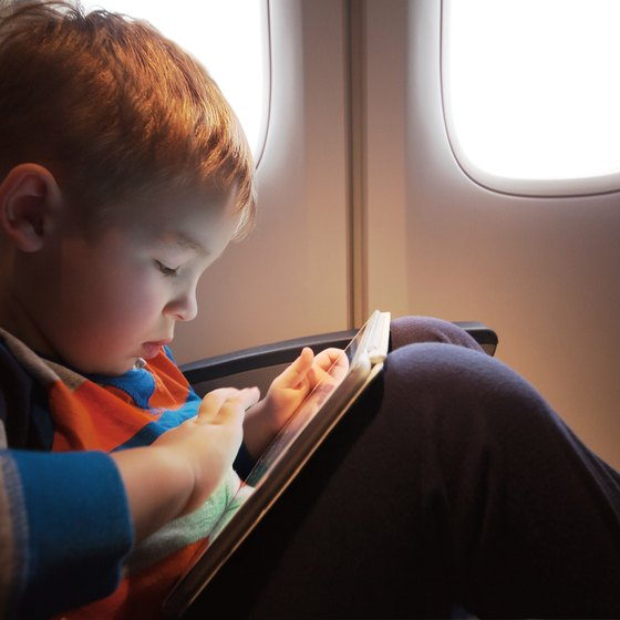 How to Help a Young Child Travel Alone on an Airplane
