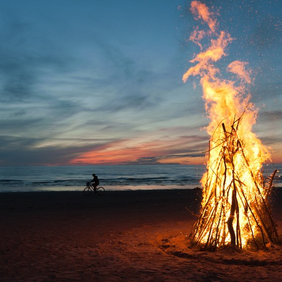 Beaches to Have Bonfires in Seattle