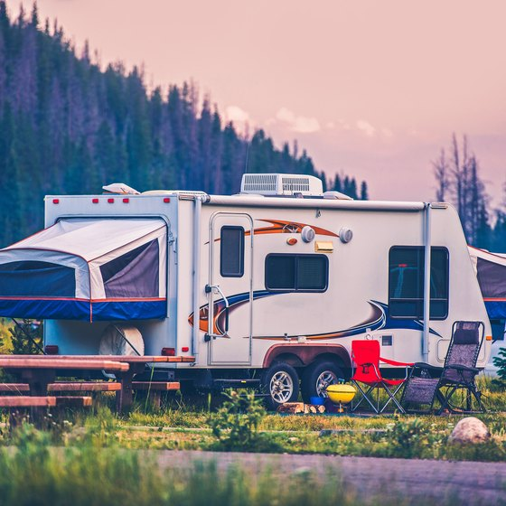 What is a full hookup campsite