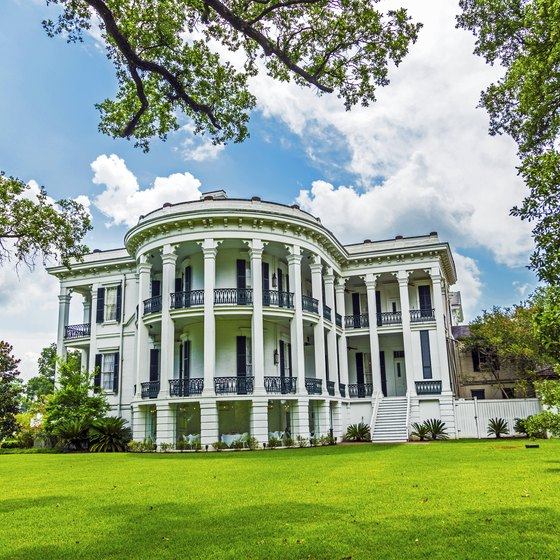 Southern Plantation Tours | USA Today on historic plantation houses, historic plantation homes in louisiana, historic plantation homes in texas, historic homes in alabama book, historic plantation homes in the south, old planation homes sale,