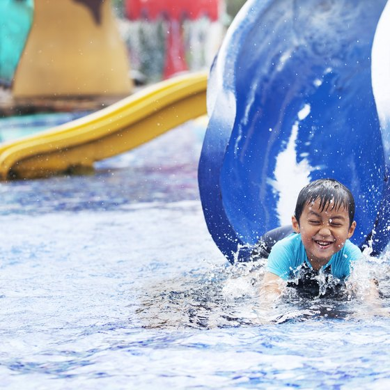 Indoor Water Parks Nearest to Syracuse