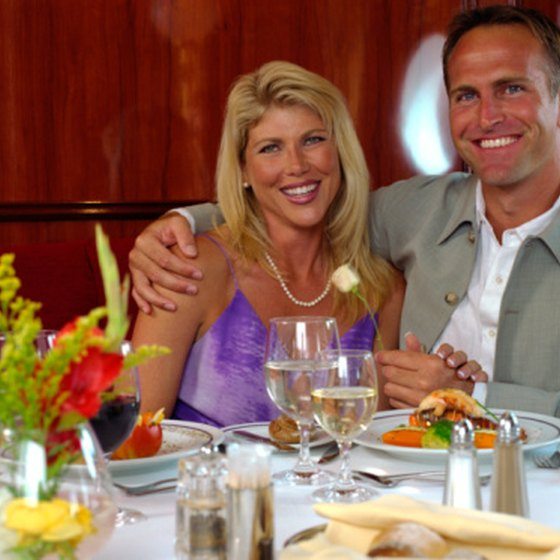 For romance in Miami, take a dinner cruise on picturesque Biscayne Bay.