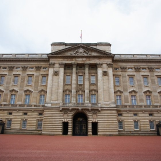 Buckingham Palace is one of London's best-known sights.