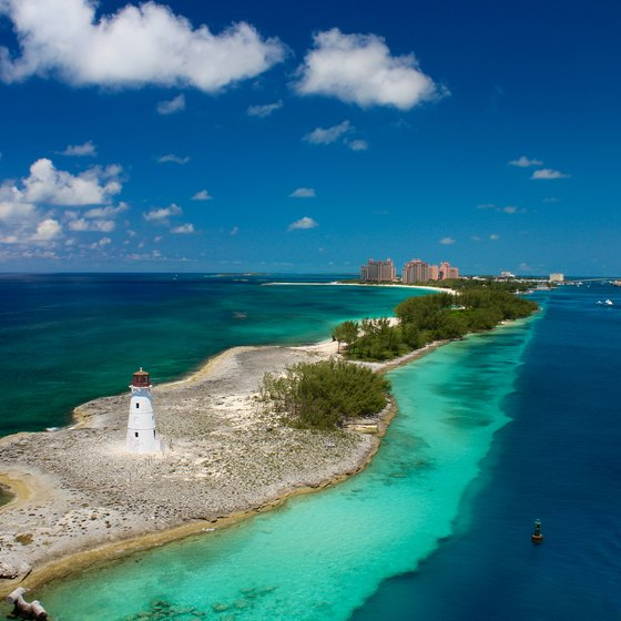 Advantages and Disadvantages of Tourism in the Bahamas