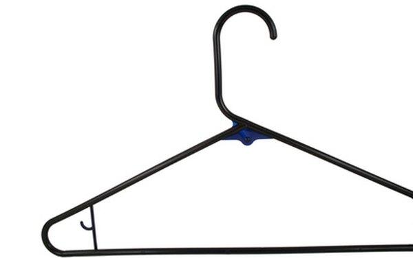 C mo construir una antena exterior con un gancho de ropa for Ganchos metalicos para perchas