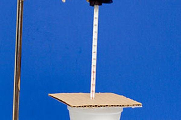 Ejemplo de modelo de calorímetro hecho con un vaso de café.