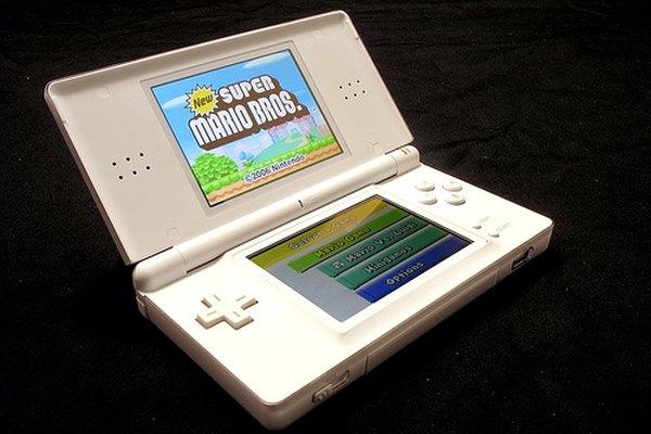 Un Nintendo DS abierto.