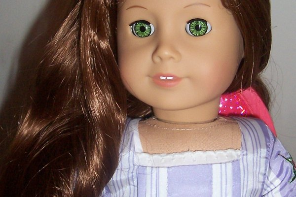 American Girl Doll Felicity con el pelo reacondicionado.