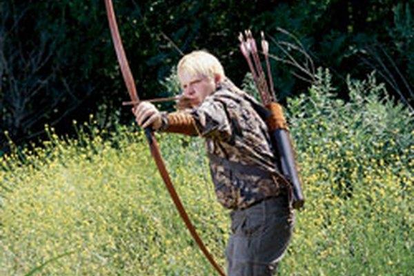 El arco largo revoluciono el combate medieval y ganó batallas como la de Agincourt.