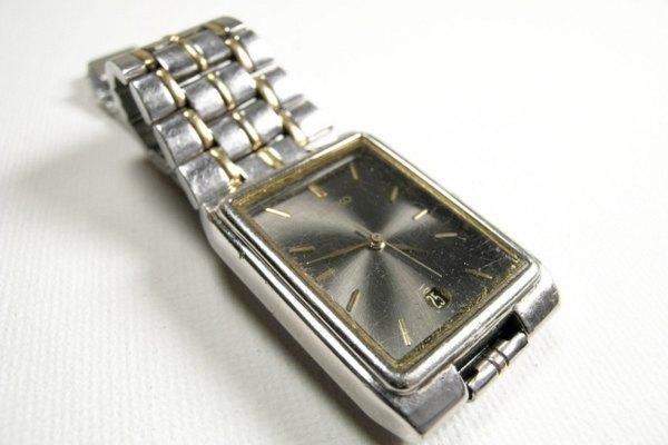 Puedes hacer pequeños arreglos en tu reloj pulsera tú mismo.