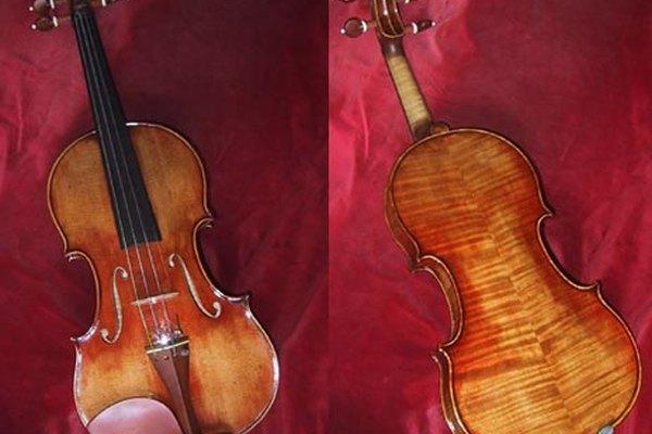 Un violín barnizado.
