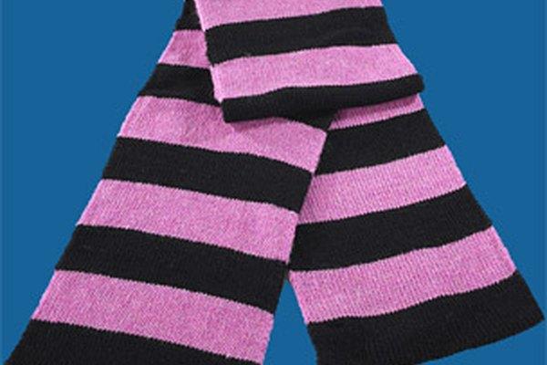 Si recién estás comenzando a tejer, haz una bufanda simple.