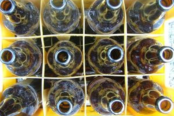 Aprende a desinfectar bien las botellas para que tu cerveza pueda ser apreciada.