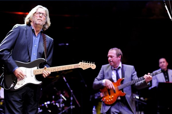 Toca la guitarra como Eric Clapton.
