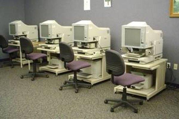 Las microfichas pueden almacenar documentos gubernamentales.