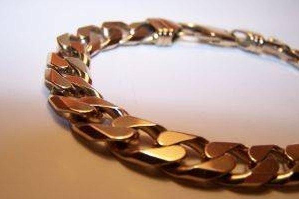 En tu búsqueda de la pieza perfecta, puedes encontrar tiendas que venden piezas de oro vermeil.
