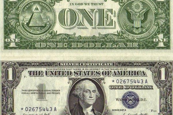 Un certificado de plata tiene sellos azules que lo distinguen.