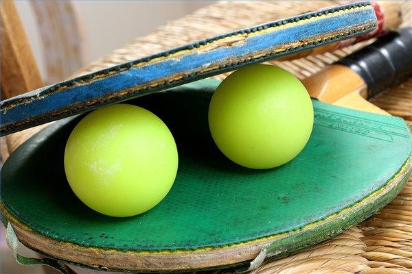 Pelotas de ping-pong.